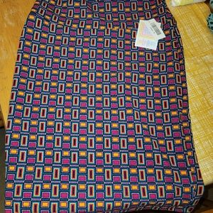 NWT! LuLaRoe CASSIE Skirt. Geometric Shapes